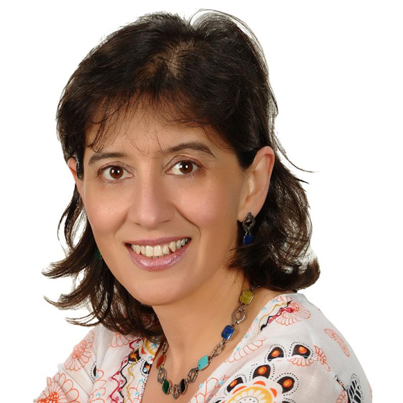 <b>Claudia Fernanda Cruz</b>