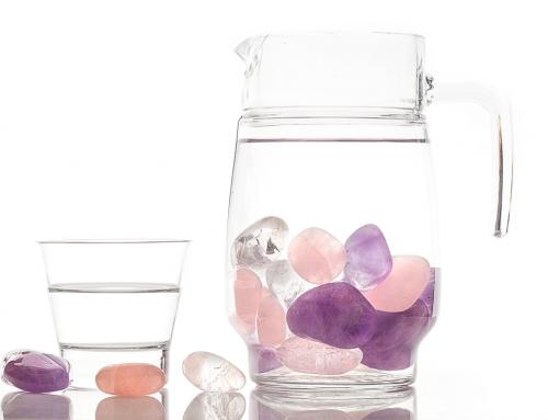 Aprenda a fazer elixir de cristais para elevar sua energia